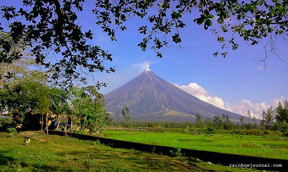 A view of Mayon from Cagsawa near Legazpi City