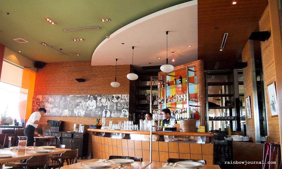 Abé Restaurant's interiors. Abé Restaurant at MOA, where good friends dine
