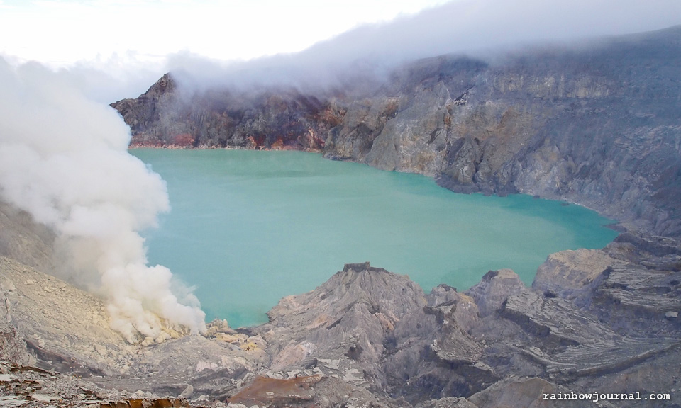 Kawah Ijen: The Two, err… Five-Kilometer Hike to a Smoldering Volcano