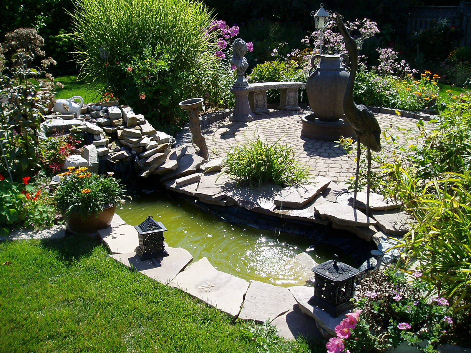 Small Backyard Big Ideas  Rainbowlandscapings Weblog