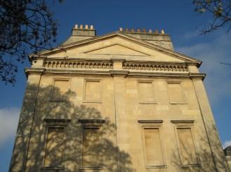 Yellow bathstone