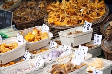 Sunday Farmer's Market at Ally Pally