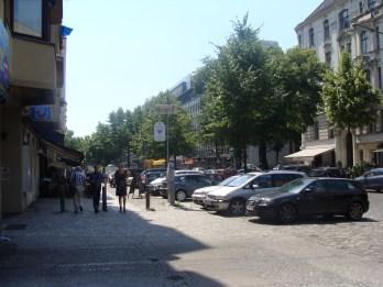 Straße vor dem Parkhaus