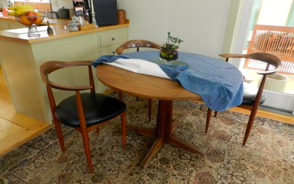 Corner Table Woodworking Plans