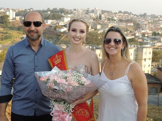 Foto com organizadores da Festa das Rosas (Prefeitura de Barbacena) - Paulo Octávio e Eunice.