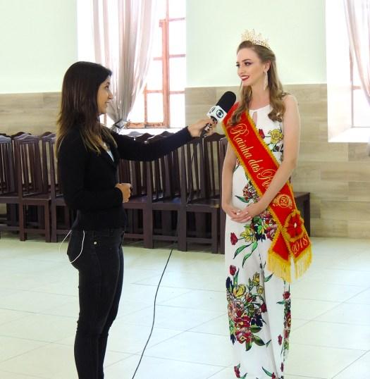 A repórter Thaís Fullin ouve nossa Rainha.