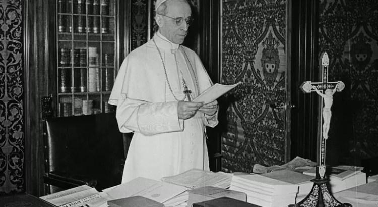 Papa Pio XII - Decreto contra comunismo