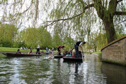劍橋 Cambridge | 如詩如畫康河玩撐篙 Punting Fun - 與菁英有約