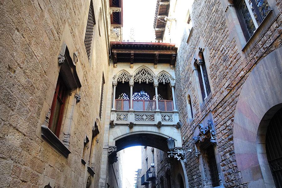 巴塞隆納 Barcelona | 主教橋  嘆息橋 – 建築師開啟的都市傳說