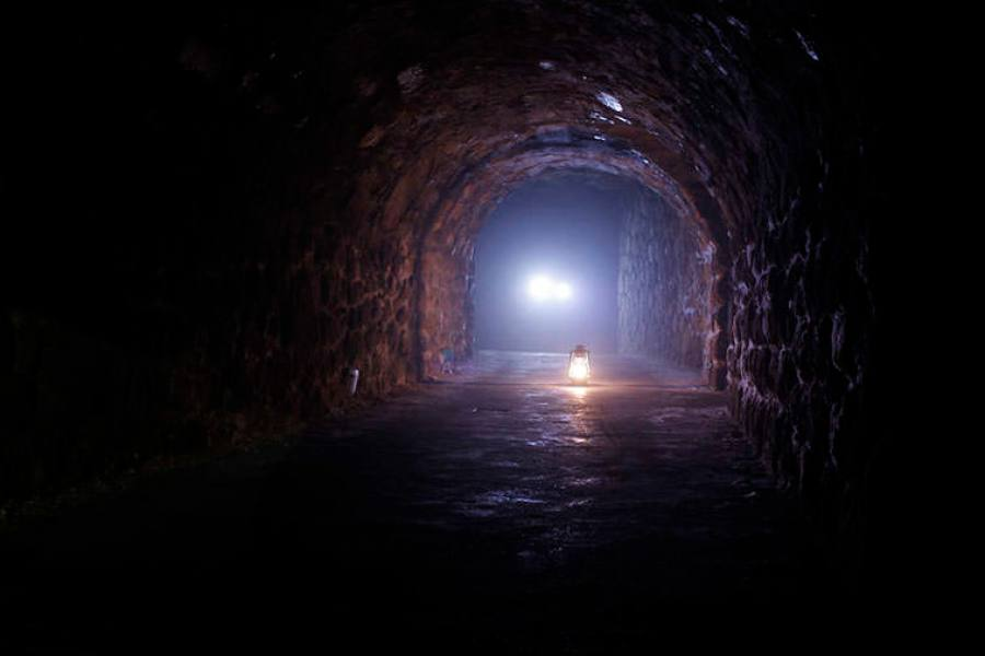 布達佩斯   地下迷宮 Budavári Labirintus 吸血鬼地道 詭異包場之旅
