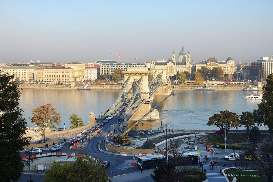 布達佩斯 | 塞切尼鎖鏈橋 Széchenyi lánchíd 古老壯闊的多瑙河大橋