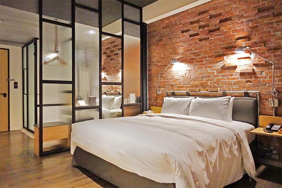 台南友愛街旅館 U.I.J Hotel & Hostel 工業風硬派住宿推薦