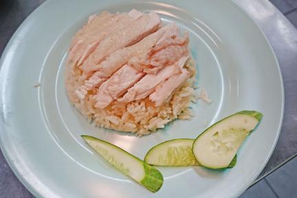 曼谷水門市場   紅大哥海南雞飯 Go-Ang Pratunam Chicken Rice 米其林推薦就該這麼點!!