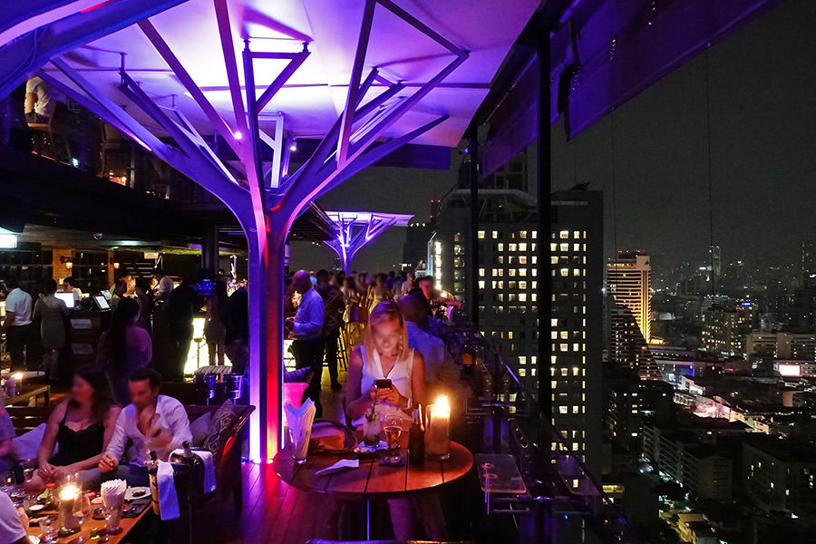 Above Eleven Rooftop Bar 曼谷NANA站人氣高空酒吧!!