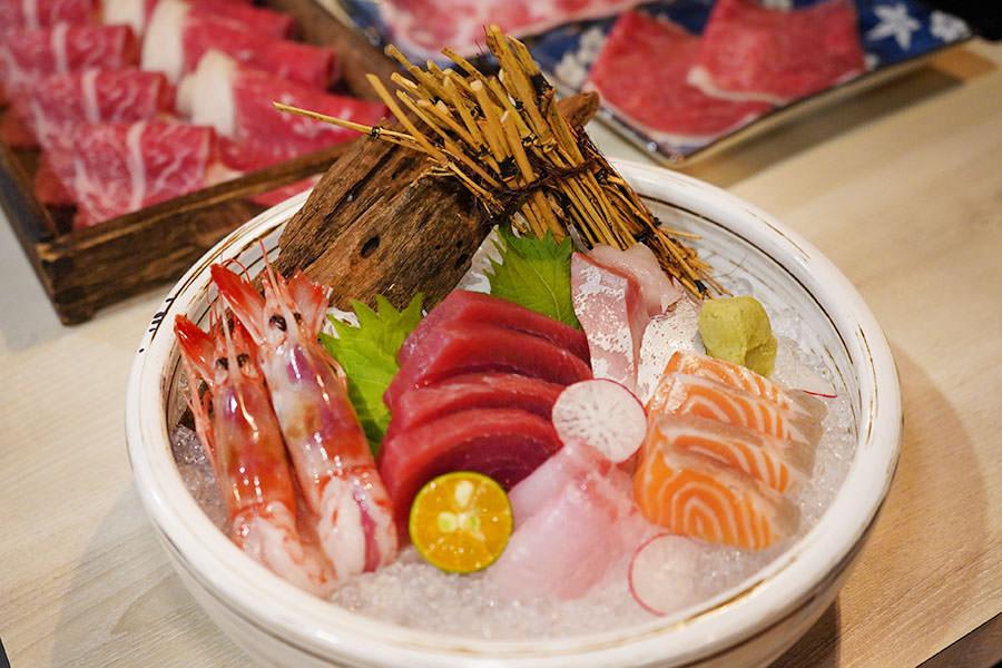 錦悅町涮涮鍋 | 高雄頂級食材火鍋,雙人套餐日本和牛、生魚片吃好吃滿!!