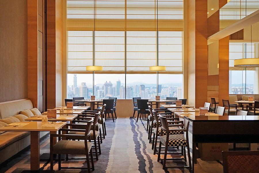 Cozzi The Roof 高雄和逸30F高空景觀餐廳,半自助超值套餐,CP值佳!!