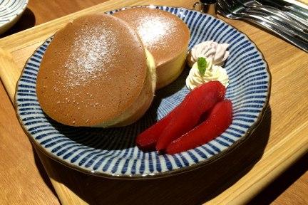 [高雄] 新興區 喜八珈琲店 Shiba caf'e 厚鬆餅。抹茶。老宅。柴犬