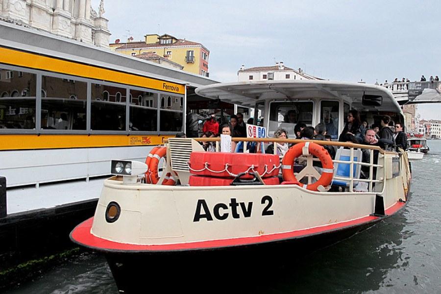 威尼斯主島交通 | 搞定火車、水上巴士船 Actv Water Bus