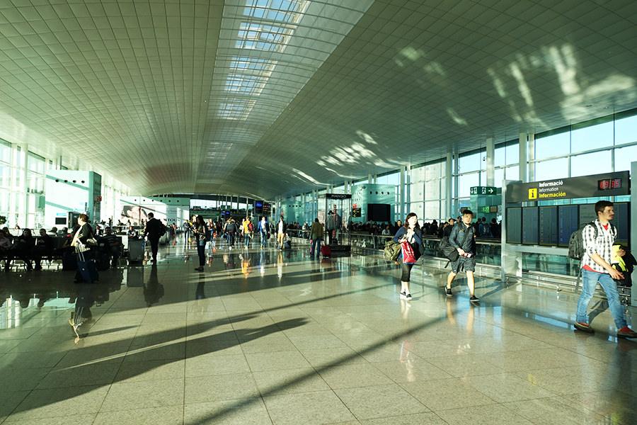 巴塞隆納 Barcelona | 機場往返市區交通:巴士、地鐵、火車、計程車詳解