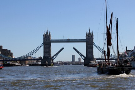 倫敦 London | KPMG Thames Clippers 交通船 - London Bridge to Greenwich