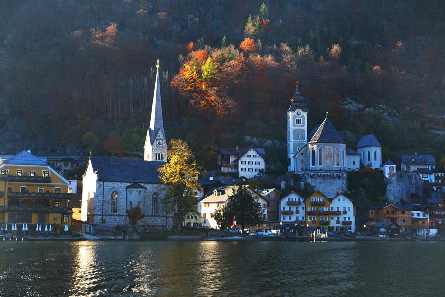 哈修塔特 Hallstatt | 天主教聖瑪莉教堂 Katholische Pfarrkirche Mariä Himmelfahrt 與美麗的小墓園 Der Friedhof von Hallstatt