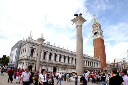 威尼斯聖馬可廣場 Piazza San Marco 全歐洲最美客廳!! (影片)