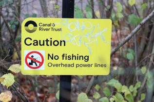 Autum watch Peak Forest canal