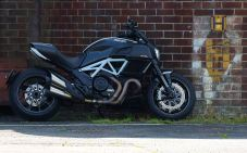 Ducat Diavel