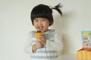 [廣告文]試用DJECO智荷家家酒遊戲:香烤雞肉串、美味冰淇淋盒