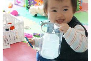 小風妹妹12個月作息與發展,順便聊雙寶生活的漸入佳境(鮭魚燉飯、白菜豆腐味噌湯)