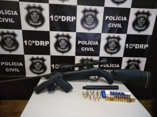 Polícia Civil apreende armas de fogo em Ceres; uma delas tinha silenciador