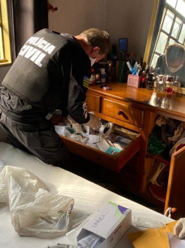 Operação Apolo: PCGO cumpre buscas contra exercício ilegal da medicina em Anápolis; vítima teve lesões após procedimento estético