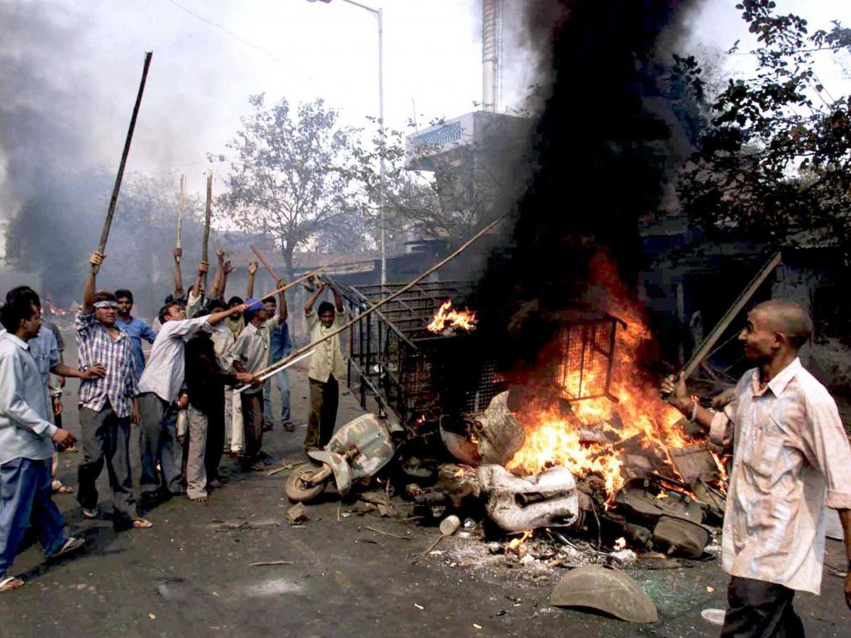 10-of-the-worst-riots-in-human-history-7