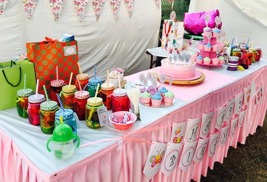 Party Favours And Gifts U2013 Hereu0027s An Awesome And Easy Dessert Table Decor  Tip: Place All Return Gifts/party Favours On The Table Too.