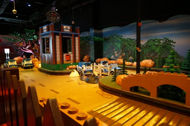 Family Days Out - Legoland Discovery Centre Manchester - lego city