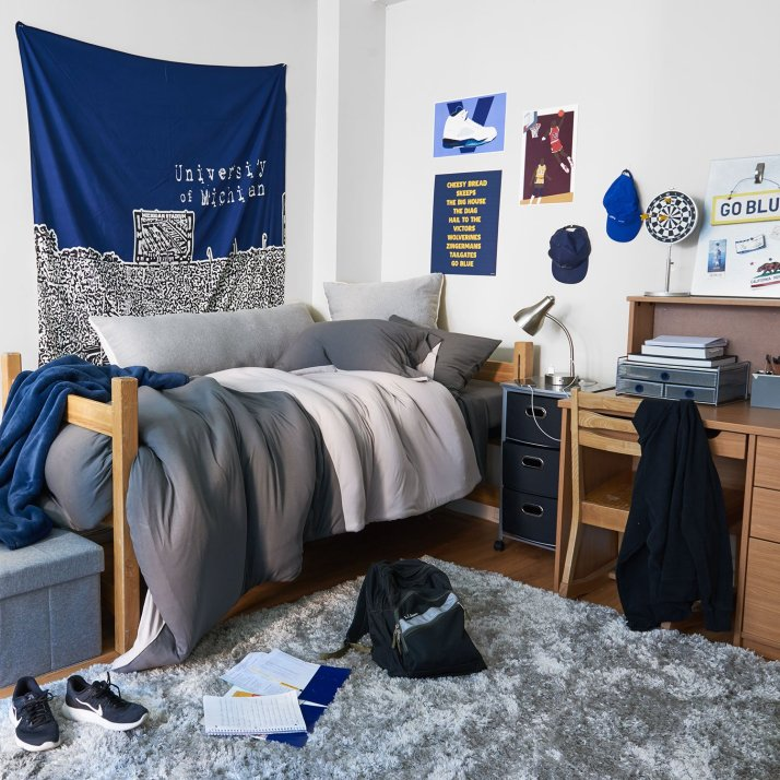 25 Cool Dorm Rooms That Will Get You Totally Psyched For ... on Cool Bedroom Ideas For Guys Small Rooms  id=81065