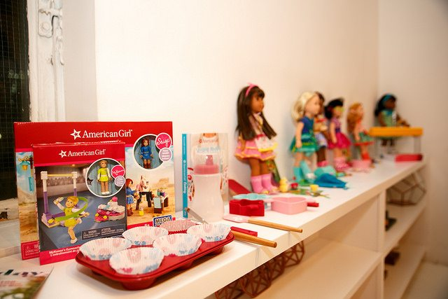 momtrends-holiday-american-girl
