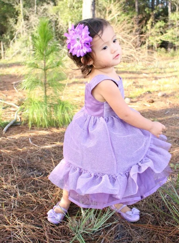 2 year old girl photo shoot ideas