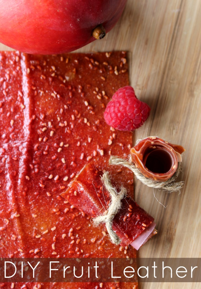 Easy DIY fruit leather Diy fruit leather mango berry Easy DIY Fruit Leather   Produce for Kids is Feeding America - Make this easy DIY fruit leather at home and find out how your family can give back. #Recipe #HealthyRecipe #Snacks