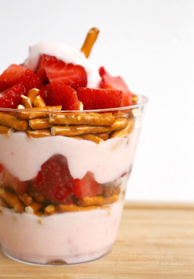 Strawberry Pretzel Parfait Recipe   Perfect Afternoon Snack - This Sweet & Salty Parfait is perfect for an afternoon snack. Kid approved #SnackRecipe #Recipe #HealthyRecipe