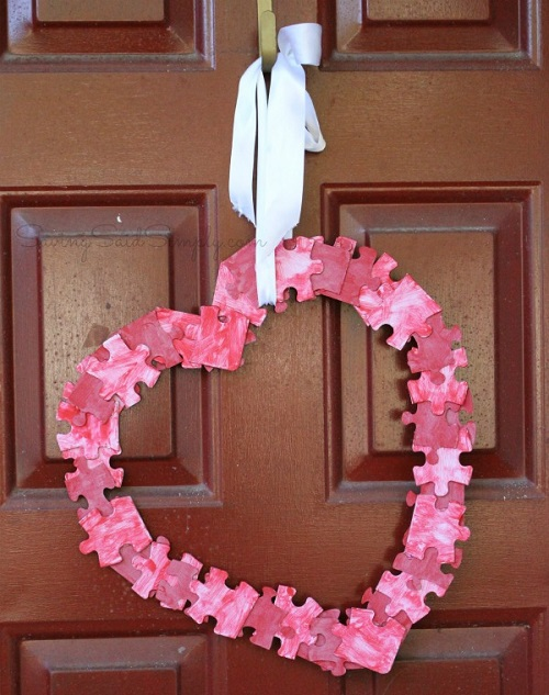 Puzzle wreath Valentines day