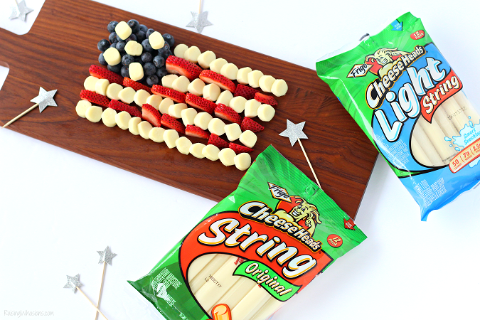 Frigo cheese heads snack idea summer Celebrate Independence Day with a Fourth of July Cheese Platter, Kid-Approved! Perfect healthy appetizer/snack for your family party, American Flag inspired #IndependenceDay #FourthofJuly #Recipe #Snack #HealthyRecipe #Appetizer