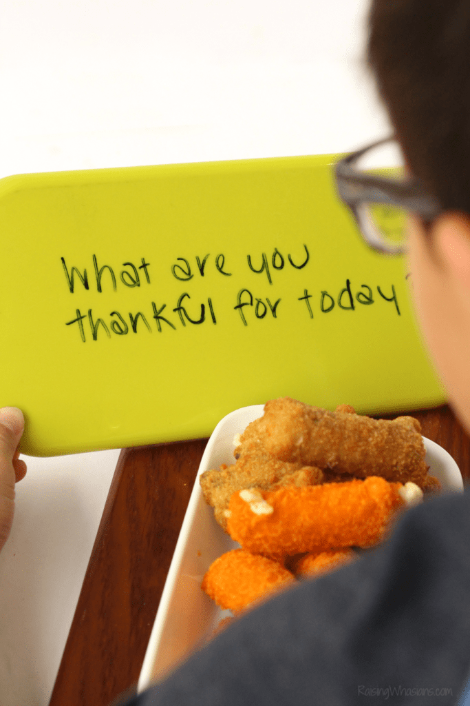 Family dinner conversation starters ideas