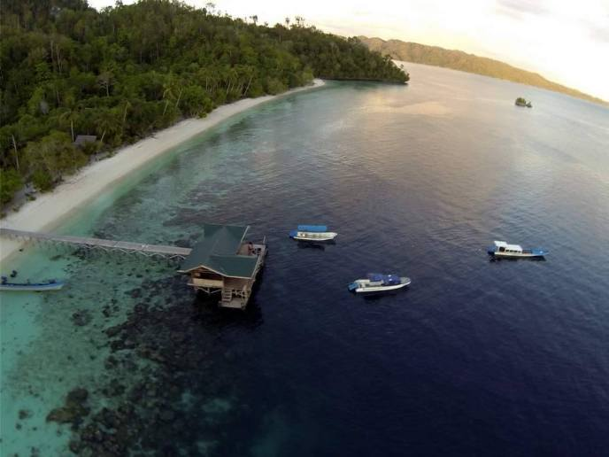 raja ampat resort jetty 8