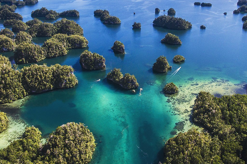 Raja Ampat tour passage
