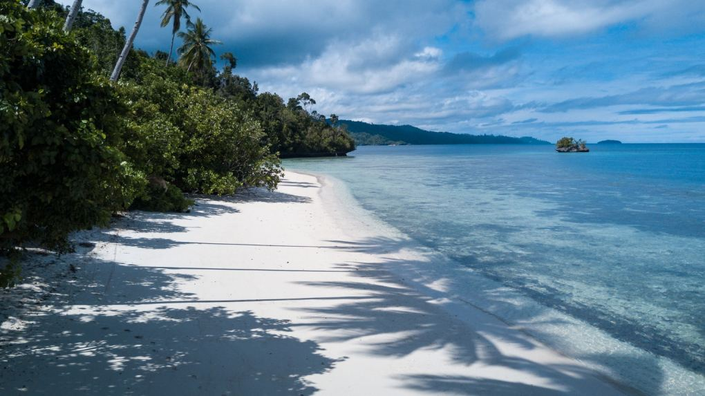 raja ampat weather climate beach