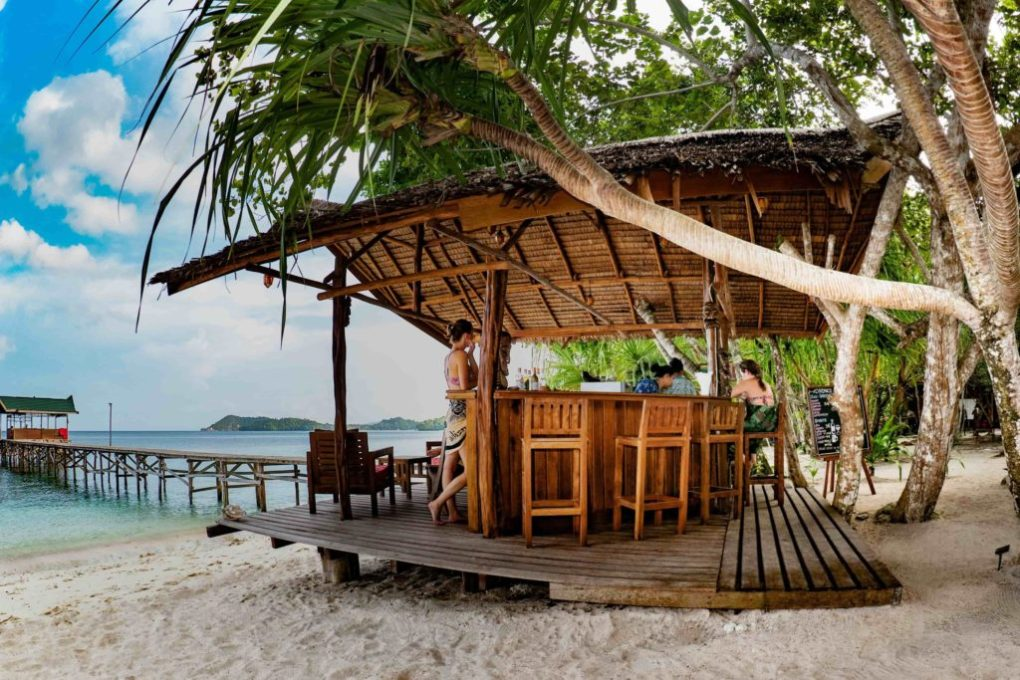 Eco Beach Resort in Indonesia - Restaurant Raja Ampat Eco Resort