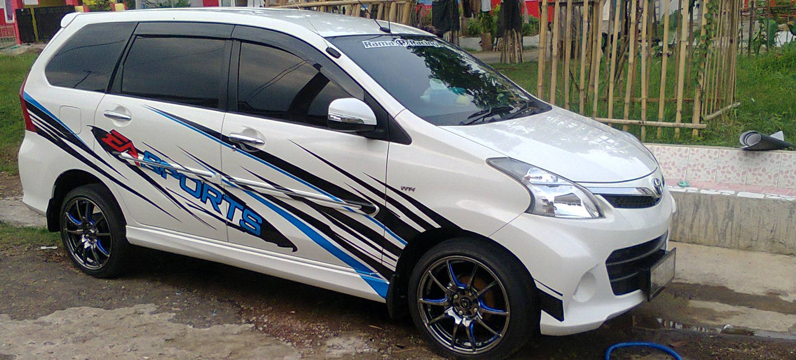 Cutting Sticker Mobil Jakarta Satu Sticker