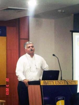 Raajiv Bajaj Addressing students at Amity University, Noida