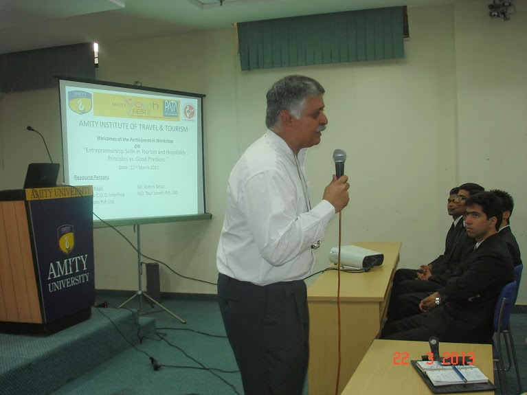 Rajiv Bajaj Addressing students at Amity University Noida